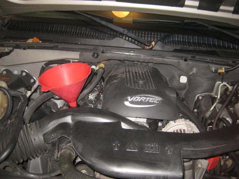 2000-2006-GM-Chevrolet-Tahoe-Engine-Oil-Change-Filter ...