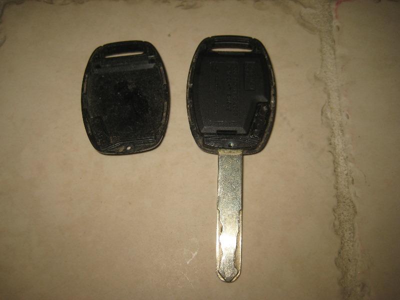 2003-2008-Honda-Pilot-Key-Fob-Battery-Replacement-Guide-025