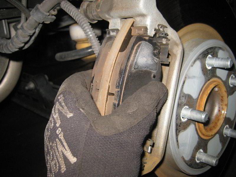 2008 2014 Dodge Grand Caravan Rear Brake Pads Replacement