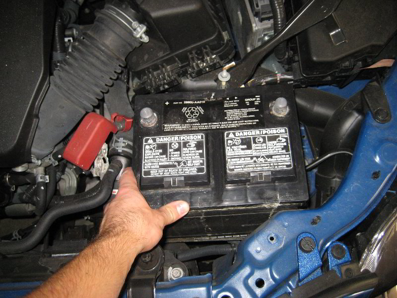 Toyota Corolla Battery >> Toyota Corolla 12v Car Battery Replacement Guide 013
