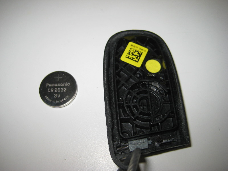 2011 2014 Dodge Charger Key Fob Battery Replacement Guide 010