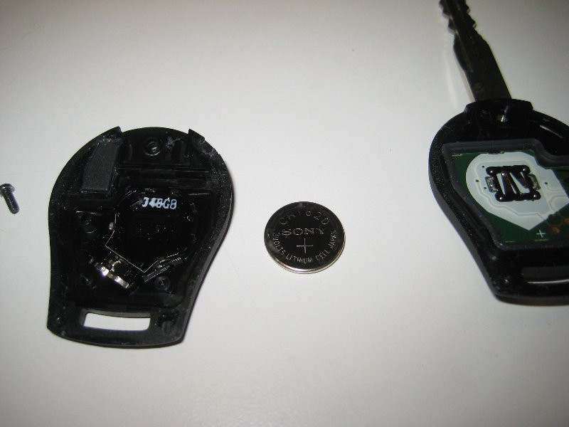 2013 2015 Nissan Sentra Key Fob Battery Replacement Guide 009