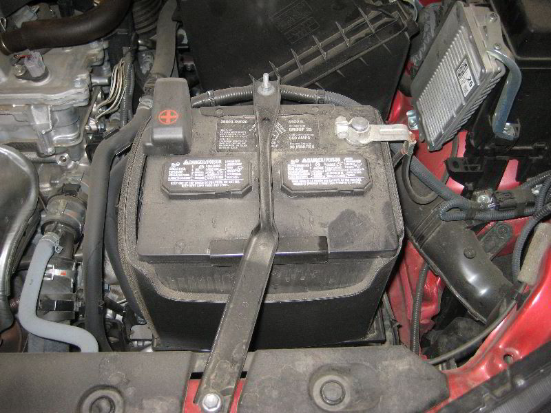 2013 2016 Toyota Rav4 12v Car Battery Replacement Guide 001