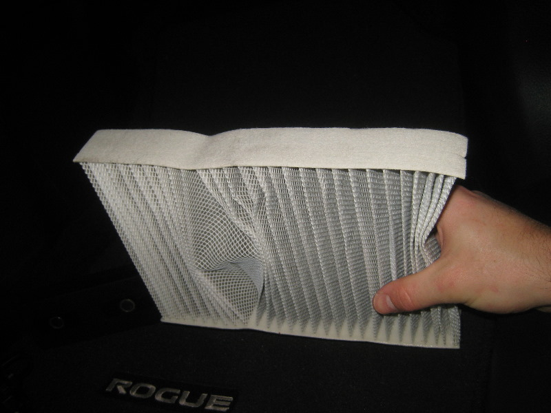 2014 2018 nissan rogue cabin air filter replacement guide 013. Black Bedroom Furniture Sets. Home Design Ideas