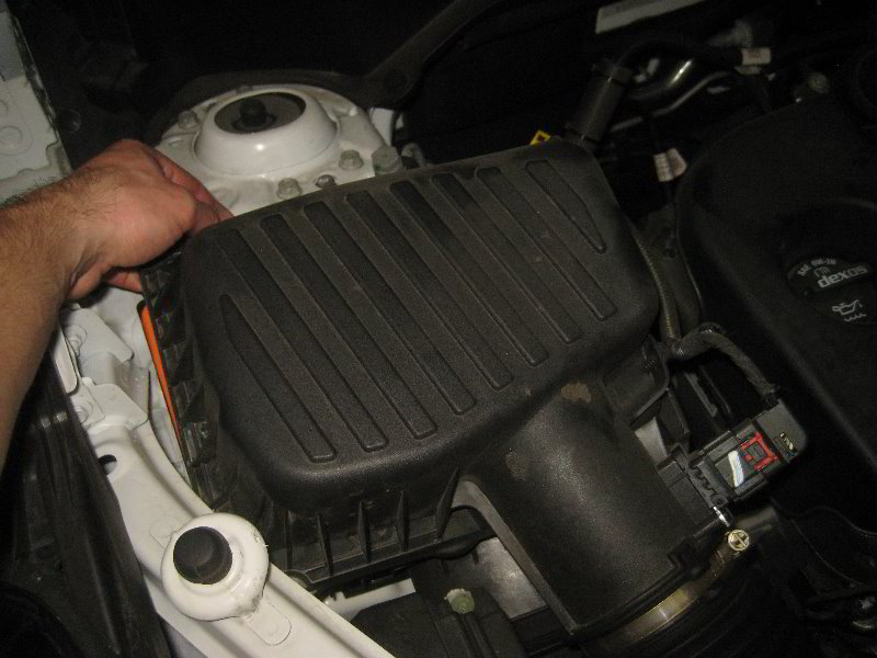 2018-2022-Chevrolet-Equinox-Engine-Air-Filter-Replacement ...