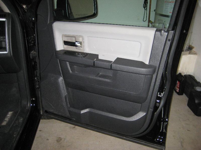 Dodge-Ram-1500-Interior-Front-Door-Panel-Removal-Guide-001