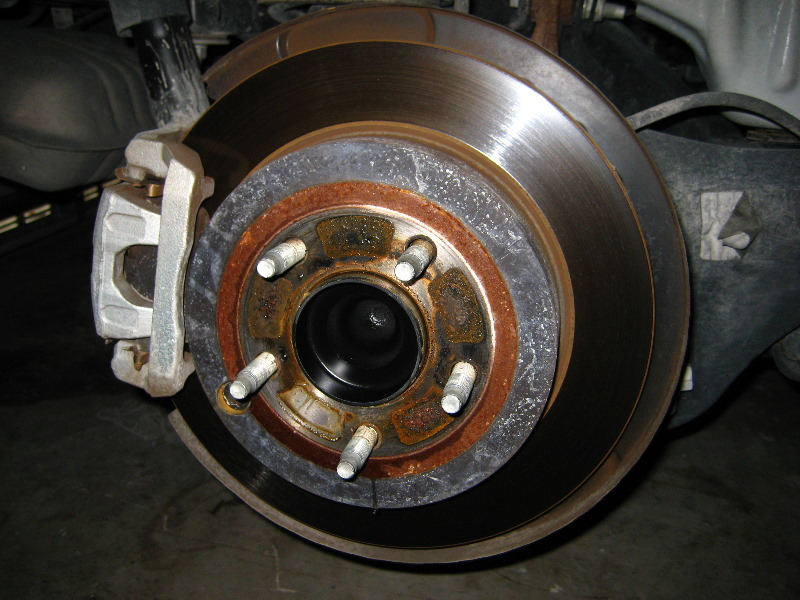 Ford Edge Rear Brake Pads Replacement Guide 008