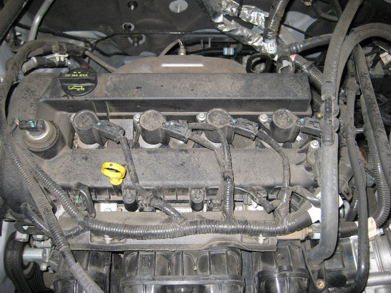 Ford Escape Duratec 25 I4 Engine Spark Plugs Replacement