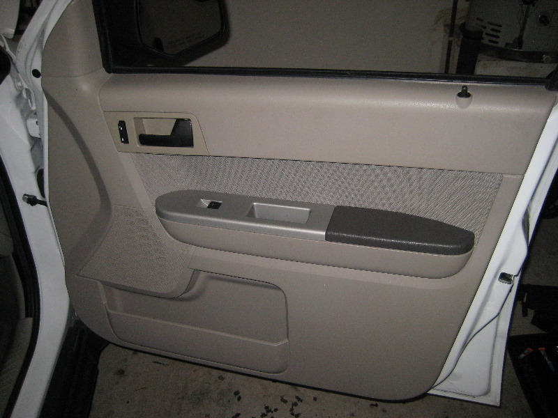 Ford-Escape-Interior-Door-Panel-Removal-Guide-048