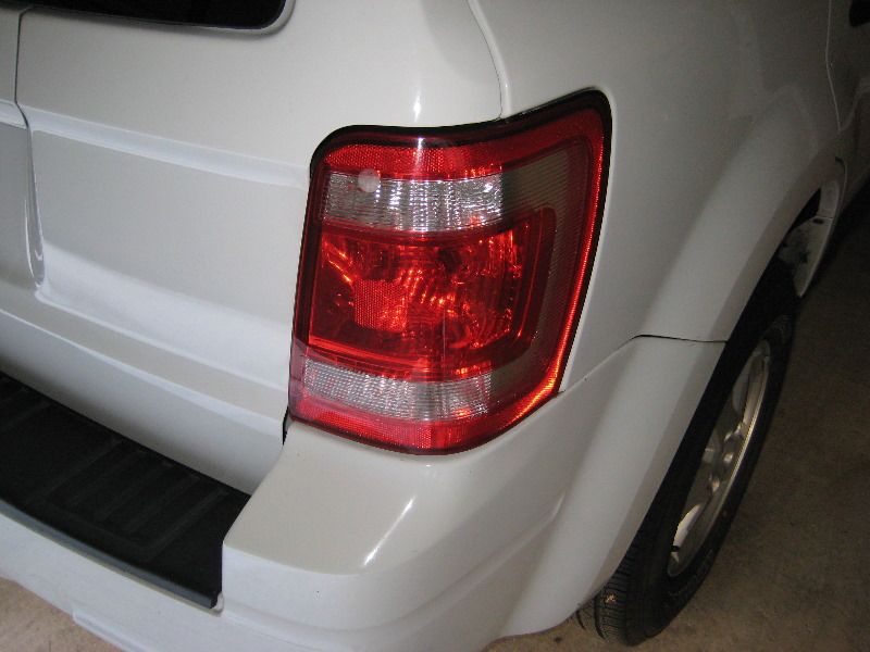 Ford Escape Tail Light Bulbs Replacement Guide 001