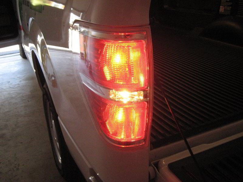 ford   tail light bulbs replacement guide