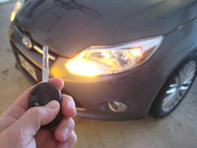 Ford-Focus-Key-Fob-Battery-Replacement-Guide-012