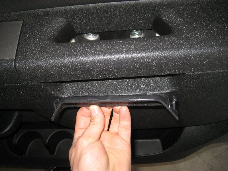 Chevrolet-Silverado-Interior-Door-Panel-Removal-Guide-074