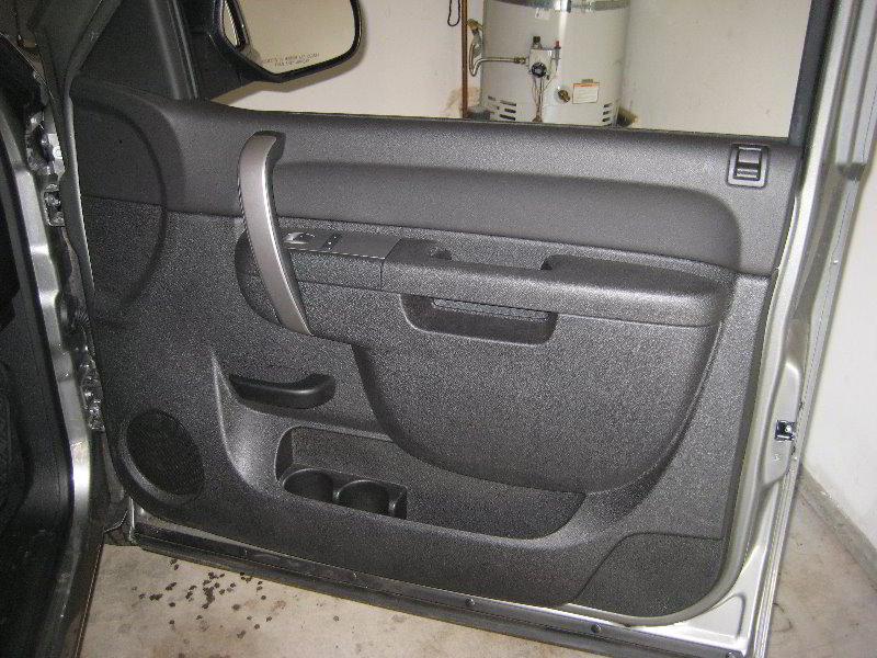 Chevrolet-Silverado-Interior-Door-Panel-Removal-Guide-078