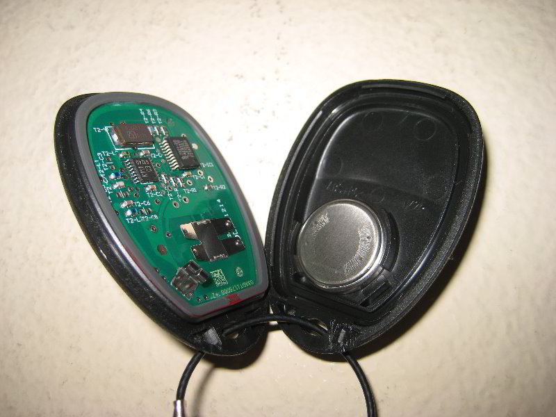 GM-Chevrolet-Silverado-Key-Fob-Battery-Replacement-Guide-005