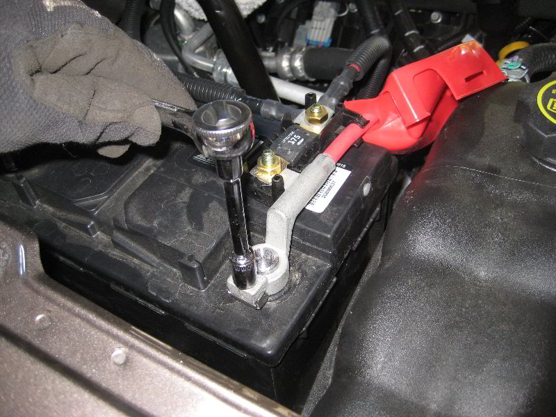 [DIAGRAM_5NL]  GM-Chevrolet-Tahoe-12V-Automotive-Battery-Replacement-Guide-027   2007 Tahoe Battery Wiring Diagram      Paul's Travel Pictures
