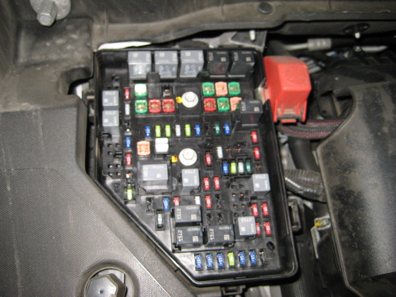 GM-Chevrolet-Traverse-Electrical-Fuse-Replacement-Guide-009