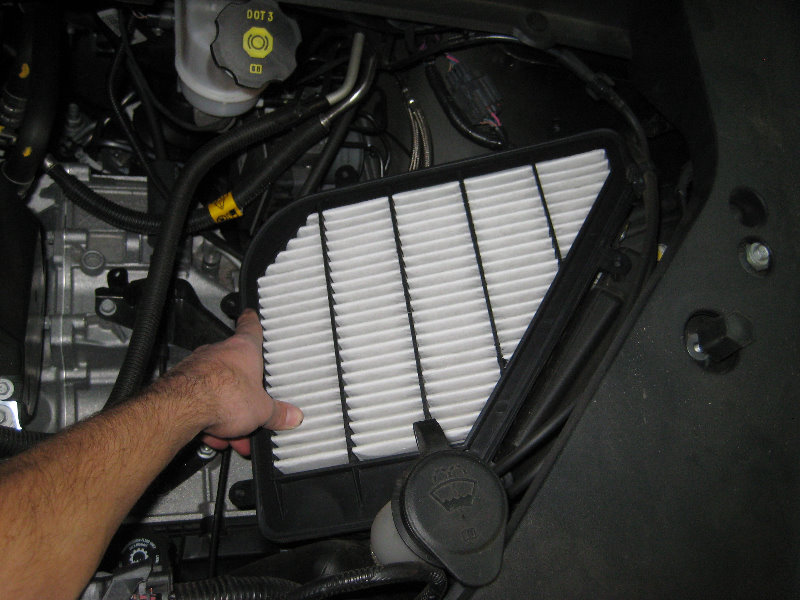 2009-2016-GMC-Acadia-LLT-V6-Engine-Air-Filter-Replacement ...