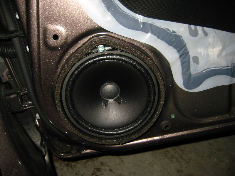 Honda Civic Front Door Speaker Replacement Guide 030