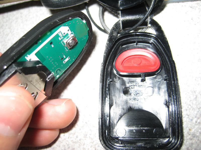 Key Fob Battery >> Hyundai-Elantra-Key-Fob-Battery-Replacement-Guide-009