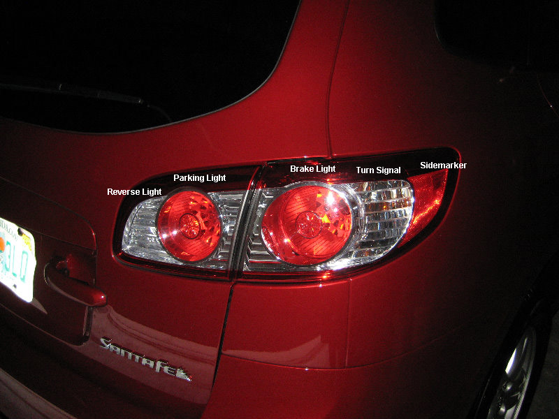 Hyundai-Santa-Fe-Tail-Light-Bulbs-Replacement-Guide-001
