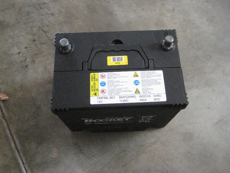 Hyundai Tucson 12v Automotive Battery Replacement Guide 014