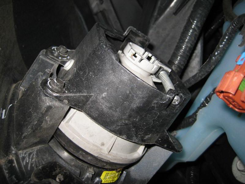 Jeep Grand Cherokee Fog Light Bulbs Replacement Guide 008