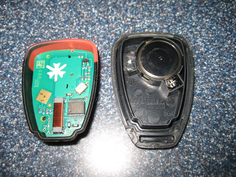 Jeep Key Fob Battery >> Jeep-Liberty-Key-Fob-Battery-Replacement-Guide-009