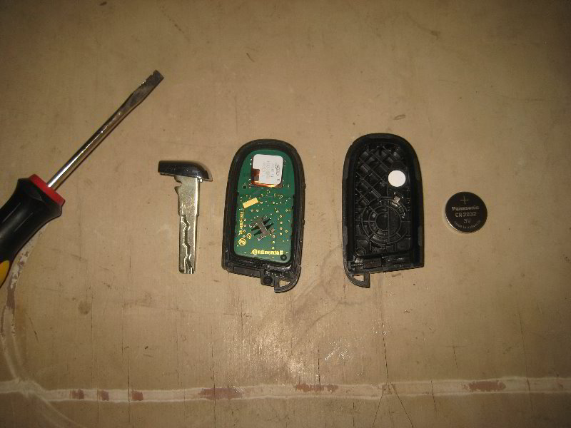 Jeep Key Fob Battery >> Jeep-Renegade-Key-Fob-Battery-Replacement-Guide-010