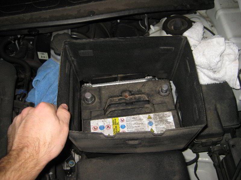 Kia Soul 12v Automotive Battery Replacement Guide 010