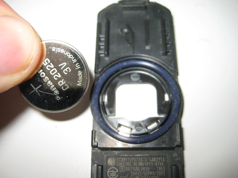How to change battery in mazda cx 5 key