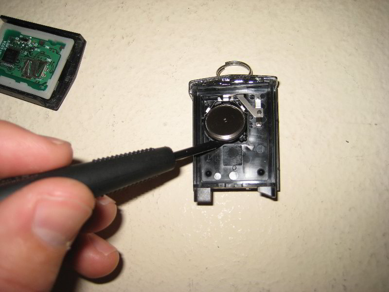 Mazda Mazda3 Key Fob Battery Replacement Guide 011