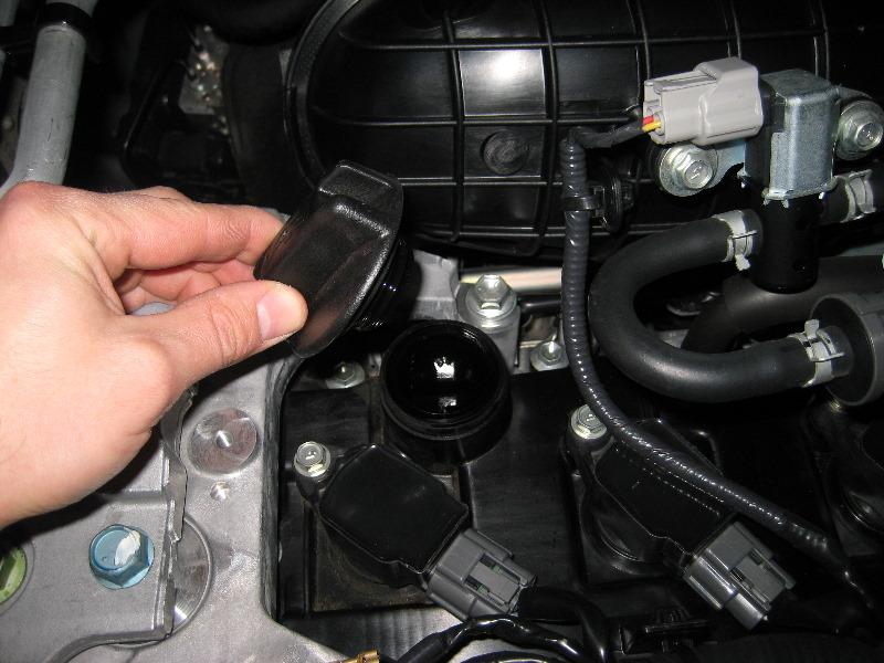 Nissan-Rogue-QR25DE-I4-Engine-Oil-Change-Guide-002