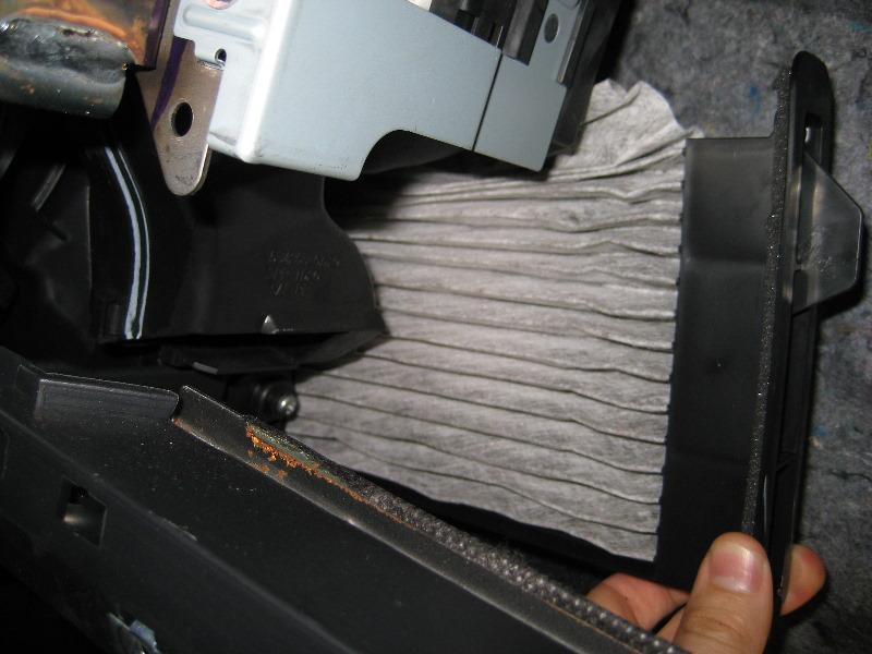Nissanversacabinairfilterreplacementguide017rhpaulstravelpictures: Nissan Versa Cabin Air Filter Location At Gmaili.net
