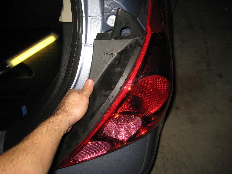 Nissan Versa S >> Nissan-Versa-Hatchback-Tail-Light-Bulbs-Replacement-Guide-012