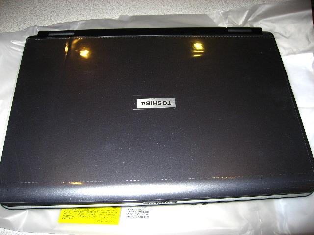Toshiba-Satellite-M115-S3094-Laptop-Review-011