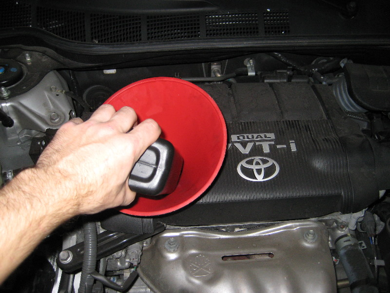 Toyota-Camry-Engine-Oil-Change-DIY-Guide-019