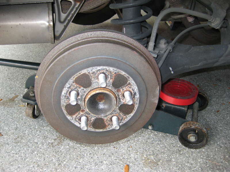 Toyota Corolla Tires >> Toyota-Corolla-Rear-Drum-Brake-Shoes-Replacement-Guide-004