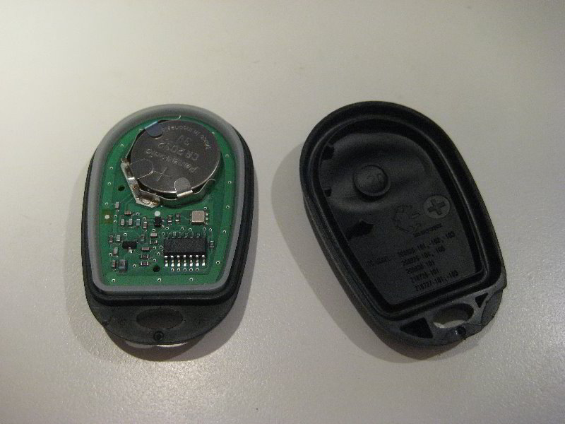 Key Fob Battery >> Toyota-Highlander-Key-Fob-Battery-Replacement-Guide-012