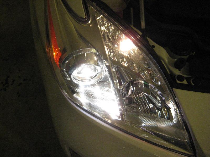 Car Headlight Bulbs >> Toyota-Prius-Headlight-Bulbs-Replacement-Guide-028