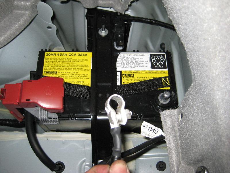 Toyota Brake Pads >> Toyota-Prius-Rear-Brake-Pads-Replacement-Guide-042