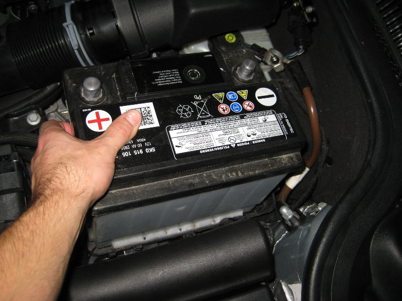 VW-Jetta-12-Volt-Car-Battery-Replacement-Guide-013