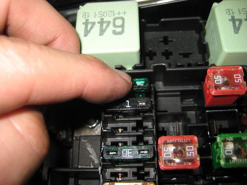 vw jetta electrical fuse replacement guide 011. Black Bedroom Furniture Sets. Home Design Ideas